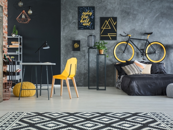 Flat with yellow decors